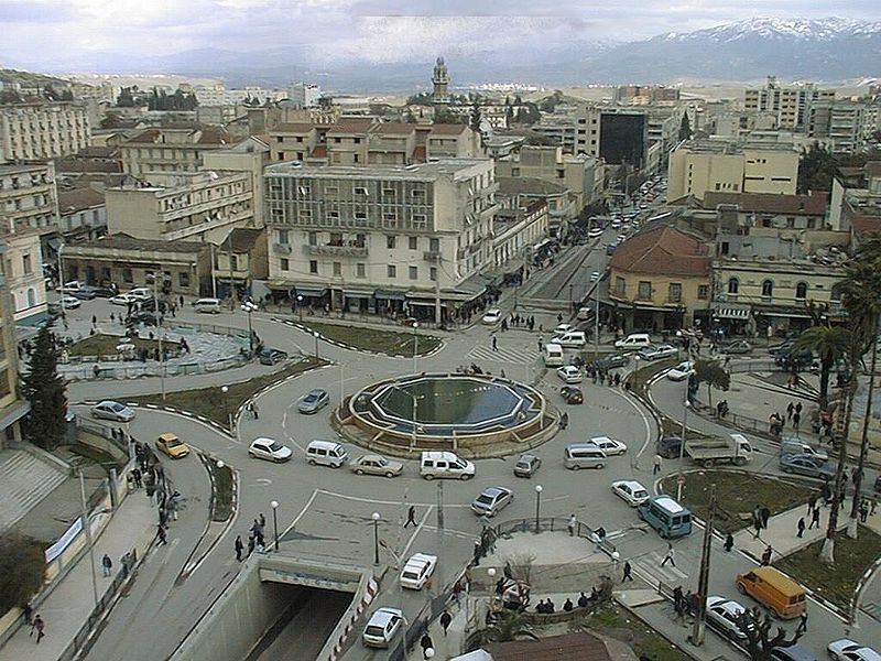 Tizi ouzou le coeur de la kabylie for Interieur algerien